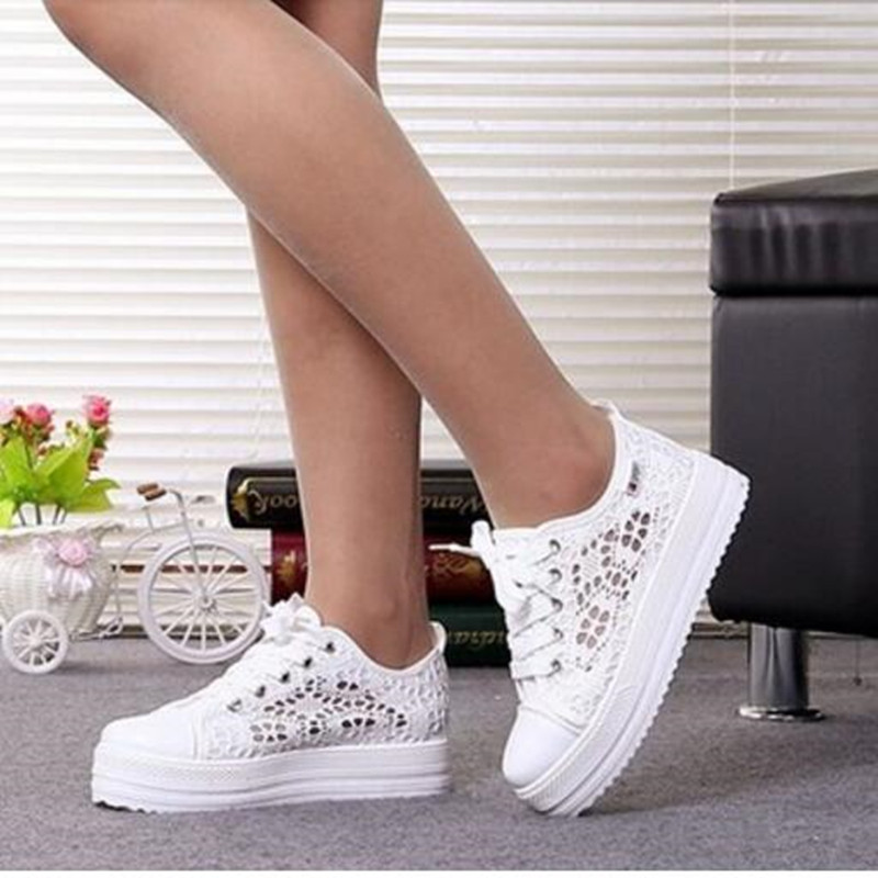 2018 Ny Lace Canvas Shoes Kvinna Casual Shoes Hollow Floral Print - Damskor