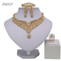 2018 Fashion Gold Color African Beads Jewelry Set Crystal Saudi Woman Nigerian Wedding Party Bracelet Earring