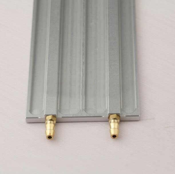 จัดส่งฟรีอลูมิเนียมLipoแบตเตอรี่น้ำแผ่นระบายความร้อนสำหรับRCไฟฟ้าBrushlessเรือ120*56มิลลิเมตร