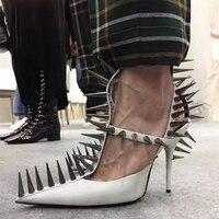 Для женщин Punk Заклепки Шпильки с пряжкой и Т образным ремешком туфли на высоком каблуке шпильке пикантная Повседневная обувь; сандалии остр