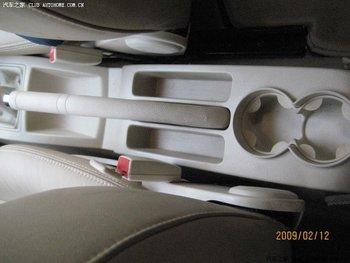 Pugno Libero Di Legno Cuoio Dell'unità Di Elaborazione Speciale Box Auto Bracciolo Con 4 USB Foro Per VolkswagenPolo Vecchio E Nuovo Multifunzionale Auto A Mano
