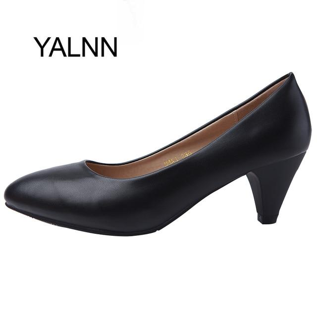YALNN Женщины Нагнетает Ботинки Основной стиль Классика 5 см Med шпильках Острым Носом Офис Карьеры Обувь Женщины