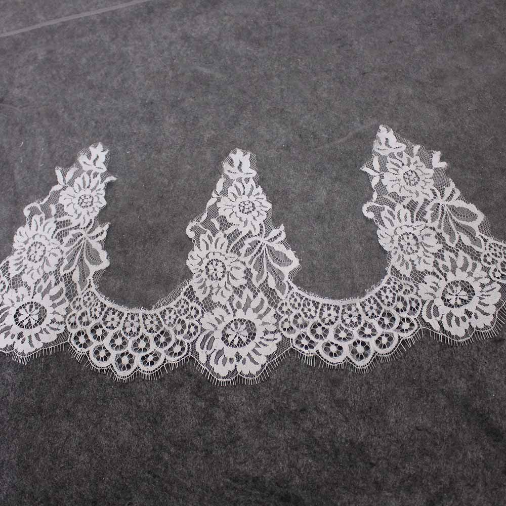 High Quality Eyelash Lace Wedding Veil WITHOUT Comb One Layer 150CM Short Bridal Veil Veu de Noiva Delicate Lace Trims Veil in Bridal Veils from Weddings Events