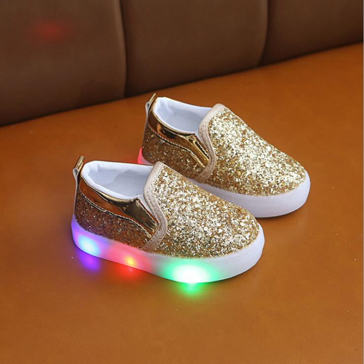 Hot Children Luminous Shoes Boys Girls Sport Glowing Sneakers Baby Flashing Lights Sequins Kids LED Sneakers