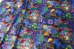 Image 5 - Полуметровая хлопковая ткань Лоскутная стеганая ткань красота и чудовище хлопок Белль витражное стекло