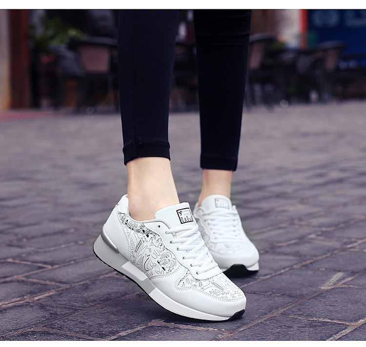 2017 Spring Graffiti Valentine Shoes Women Flat Heel Lace Up Leather Casual Shoes Plush Size 44 Low Top Sport Outdoor Shoes ZD43 (55)