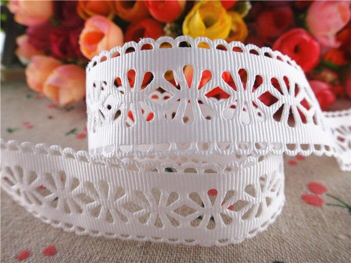 Бесплатная доставка 28 мм белый Полые Цветы твердого ленты в крупный рубчик ткани ленты diy аксессуары для волос 50 ярдов WQ14100505