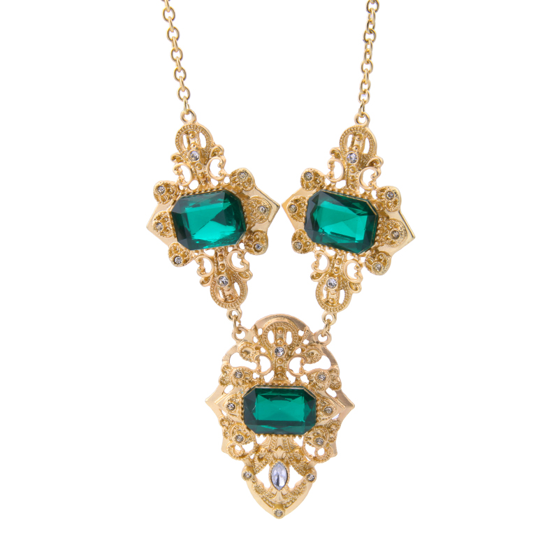 Royal Shiny Gold Color Square Noble Green Necklace For Elegant ...