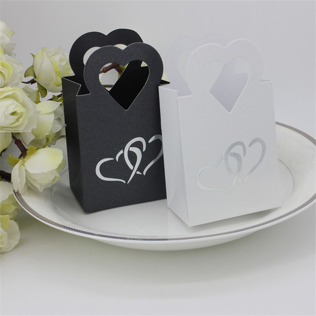 50pcs Lot Black White Paper Candy Cookies Box Love Heart Wedding Favor Bo