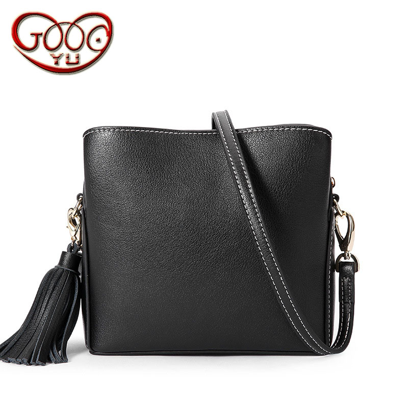 New leather tassels handbags Europe and the United States popular simple color bags simple leather diagonal package 18 years in europe and the united states new custom personality design show small retro unique portable organ leather handbags