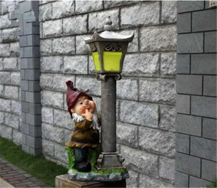 Solar Gnome Lantern Solar Powered Garden Lantern Resin Gnome Sculpture With LED Light