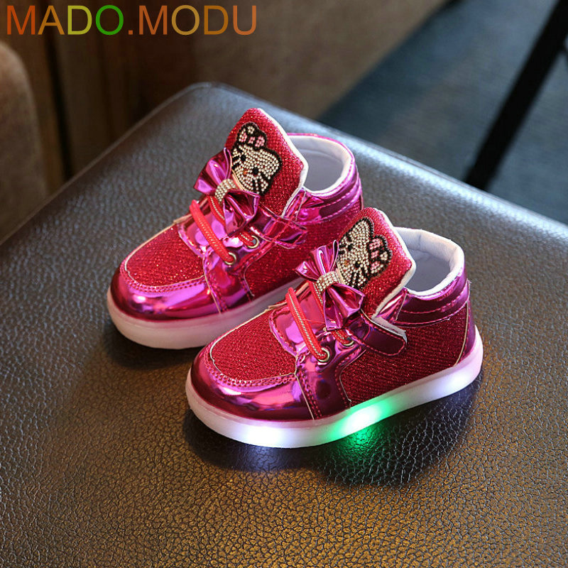 Kids-Casual-Lighted-Shoes-2017-New-Brand-Girls-Glowing-Sneakers-Children-KT-Cats-Shoes-With-Led-Light-for-Baby-Girl-Lovely-Boots-3