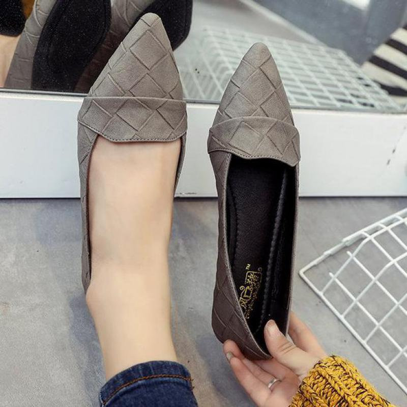 2018 New Fashion Ballerina Flats Loafers Women Soft Casual Flat Boat Shoes Comfortable Driving Shoes Hot Sale Lazy Flats 35-39 women s shoes 2017 summer new fashion footwear women s air network flat shoes breathable comfortable casual shoes jdt103