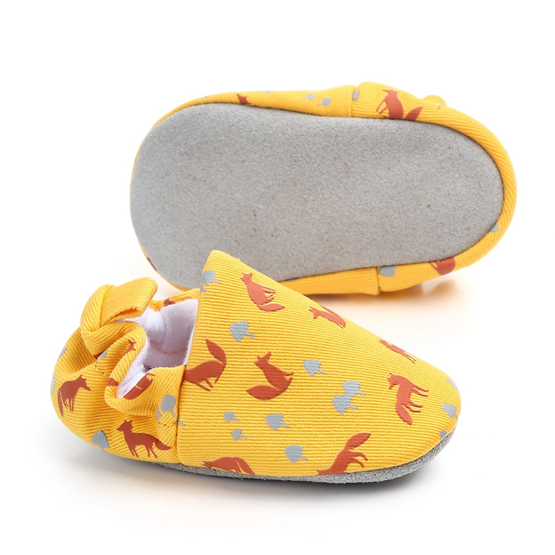 Купить с кэшбэком New born Baby Shoes Infant First Walkers Cartoon Loafers Soft Moccasins Slip on Crib Shoes Toddler Slippers 0-18 M for Boy Girls