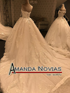 Image 4 - 2019 New Arrival Big Trail Sweetheart Unique Lace Wedding Dress Amanda Novias Real Pictures