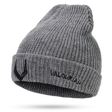 цена на Thick Women/Men Winter Wool hat knitted Wool Skullies Beanie Hat Knitted Female Thick Warm Baggy Bonnet Outdoor print Cotton Cap