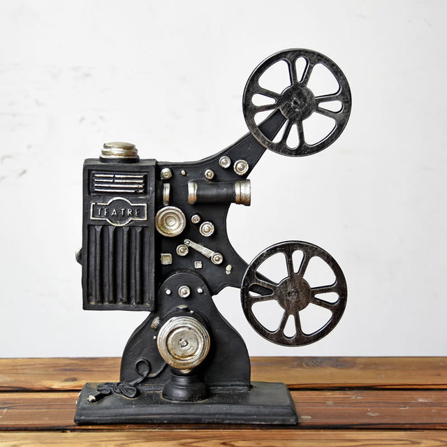 Hot Selling Creative Vintage Projector Model Retro Resin Crafts Bar Magnificent Bar Decor And Accessories