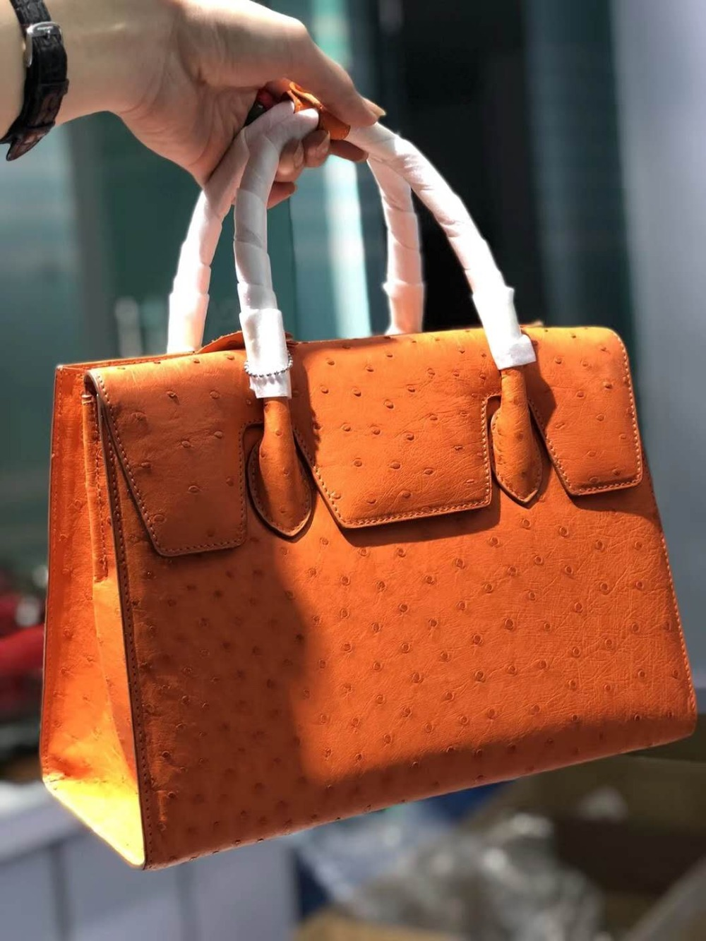 100% genuine real ostrich skin women tote bag top level quality full grain Ostrich skin women tote handbag orange purple pink100% genuine real ostrich skin women tote bag top level quality full grain Ostrich skin women tote handbag orange purple pink