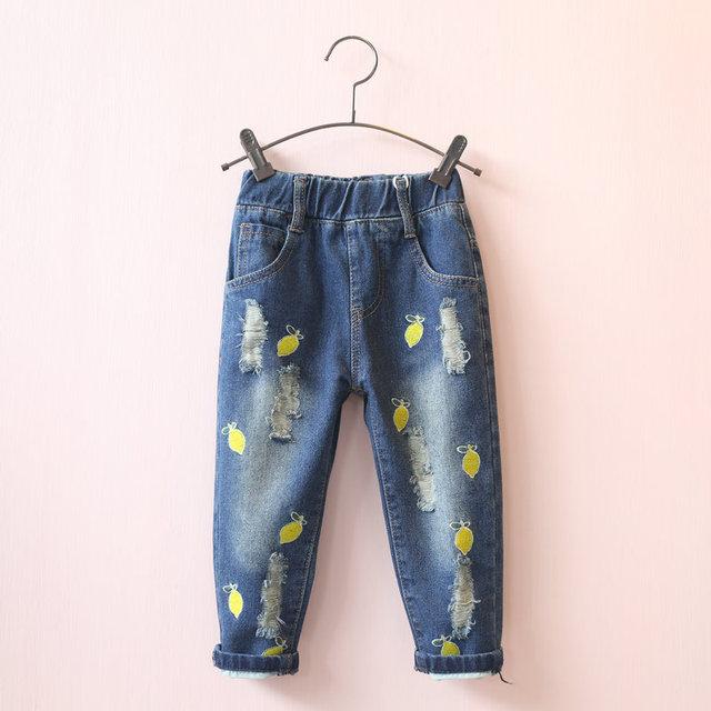 Новая осень 2016 детская ребенка lemon вишня вышивка рваные джинсы брюки Ноги Бесплатная доставка