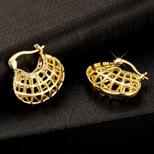 Vintage Hollow Out Earring Gold Plated Women Gift Hot Sale Fashion Jewelry Flowers Basket Shaped Unique Hoop Earrings