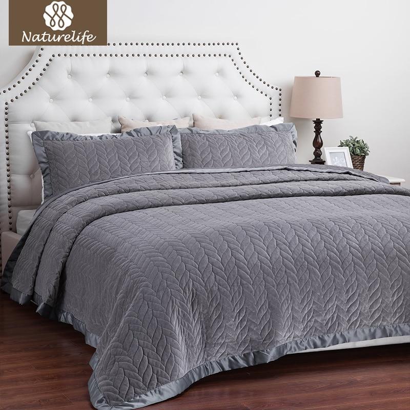 Naturelife Velvet Quilt Set Leaf Pattern Bedspread Bed