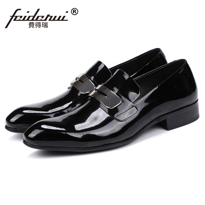 Luxury Round Toe Man Casual Shoes Patent Leather Male Bridal Loafers Metal Trim British Designer Men's Wedding Party Flats JS153 italian round toe crocodile man casual shoes genuine leather male bridal loafers luxury brand designer men s wedding flats qc96