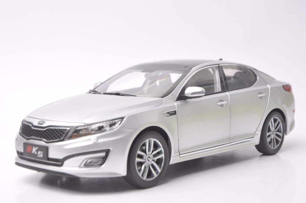 1:18 Diecast Model for Kia New K5 Optima 2010 Silver Alloy Toy Car Miniature Collection Gifts