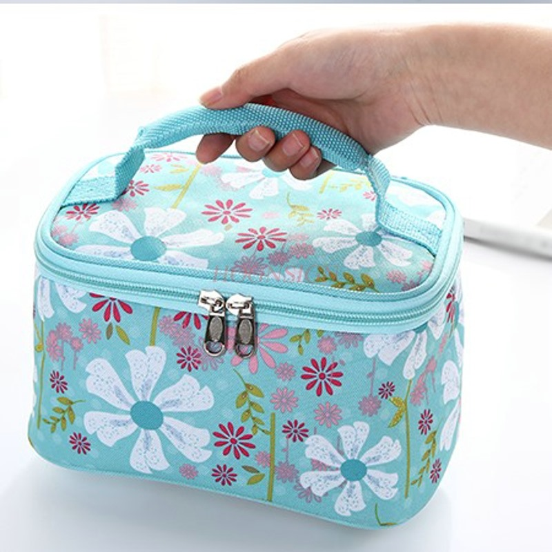Fresh Keeping Refrigerated Portable Waterproof Cosmetics Storage Large Capacity Travel Cosmetic Bag Makeup Bags Make Up in Eye Shadow Applicator from Beauty Health