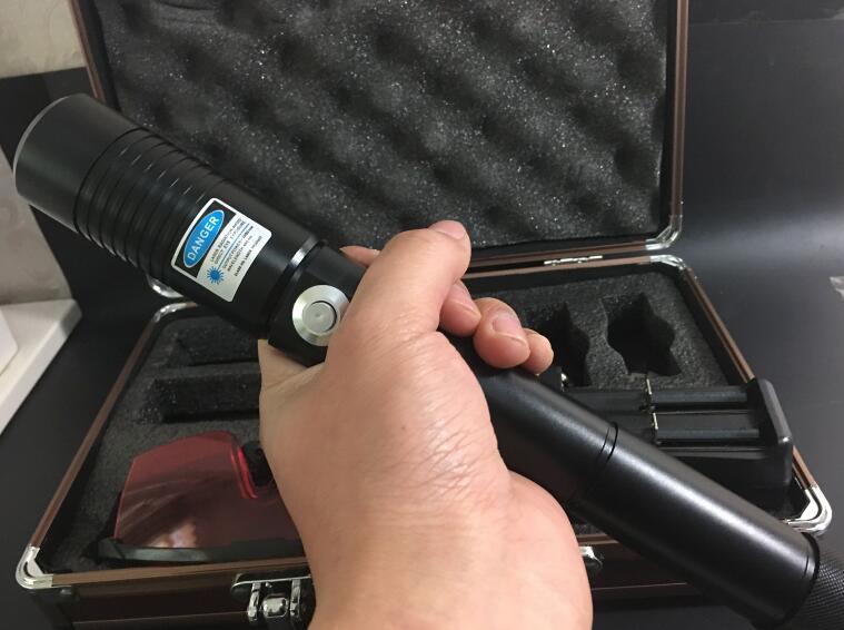 Haute puissance 200000 m 450nm bleu Laser stylo focalisable poche bleu Laser pointeur torche allumé cigarette brûlant bois + chargeur + lunettes