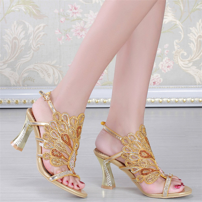 ФОТО Sheepskin Sandals 2017 Genuine Leather Women Rhinestone Shoes Ladies High Heel Sandals Colorful Peacock Bridal Shoes Wedding