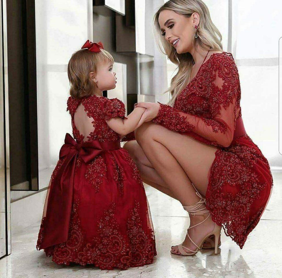 Modest Red Lace Mother Of The Bride Dresses Sheath Mini Short Beaded Formal Evening Party Gowns Long Sleeves Mother Daughter