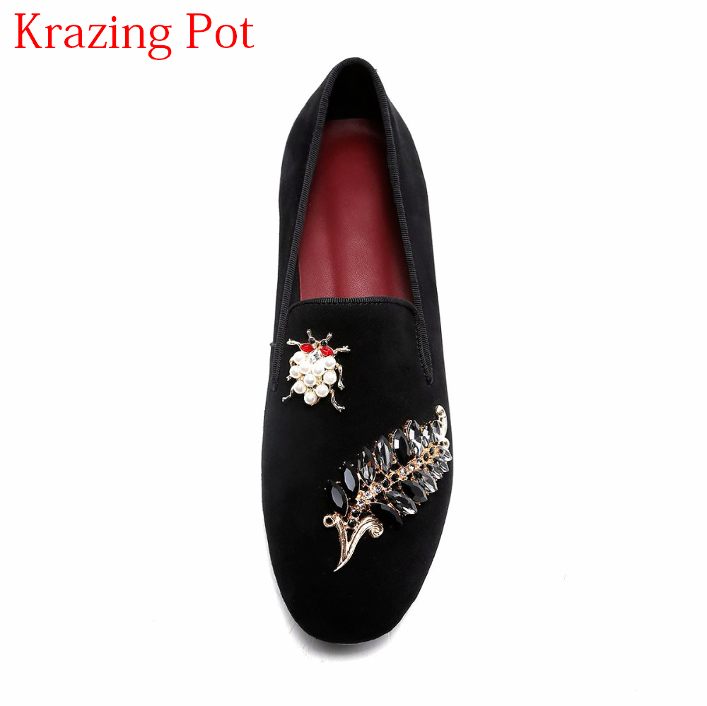 Фотография 2018 Sheep Suede Superstar Luxury Casual Shoes Round Toe Flats Pearl Fasteners Elegant Preppy Style  Women Driving Shoes L98