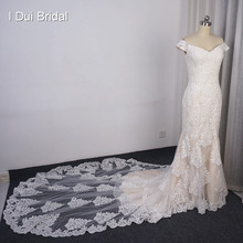 Off Shoulder Lace Wedding Dress with Long train Lace Appliqued Beaded Bridal Gown Custom Make(China)
