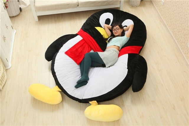 2016 Cartoon Penguin Large Floor Cushion Dome Decor Pillow