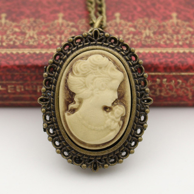 Fashion Quartz Oval Pocket Watch Necklace Woman Gray Yellow Purple Beauty Rose F