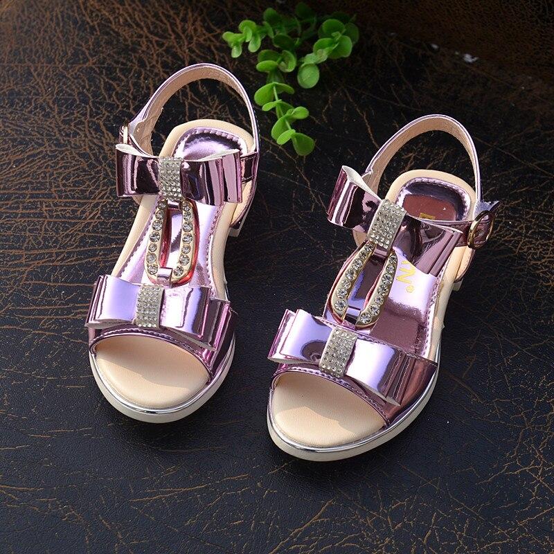 2017 новые летние сандалии для девочек Оптовая Продажа Лук корейской туфли  принцессы с подъемом обувь со стразами для девочек f6a5b46c34f