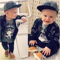 Ins * nueva llegada 2015 unisex bebés y niños ropa de los niños de algodón de Béisbol de color negro grueso sudaderas otoño 1-4Y envío libre