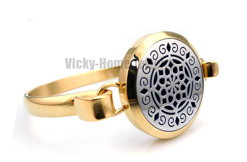 Round Silver and Gold Lotus (30mm) Aromatherapy / Essential Oils Stainless Steel Aromatherapy Locket Bracelet