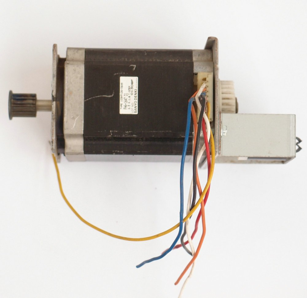 SANYO SANYO six lane 57 two phase stepper motor 6 wire double shaft ...