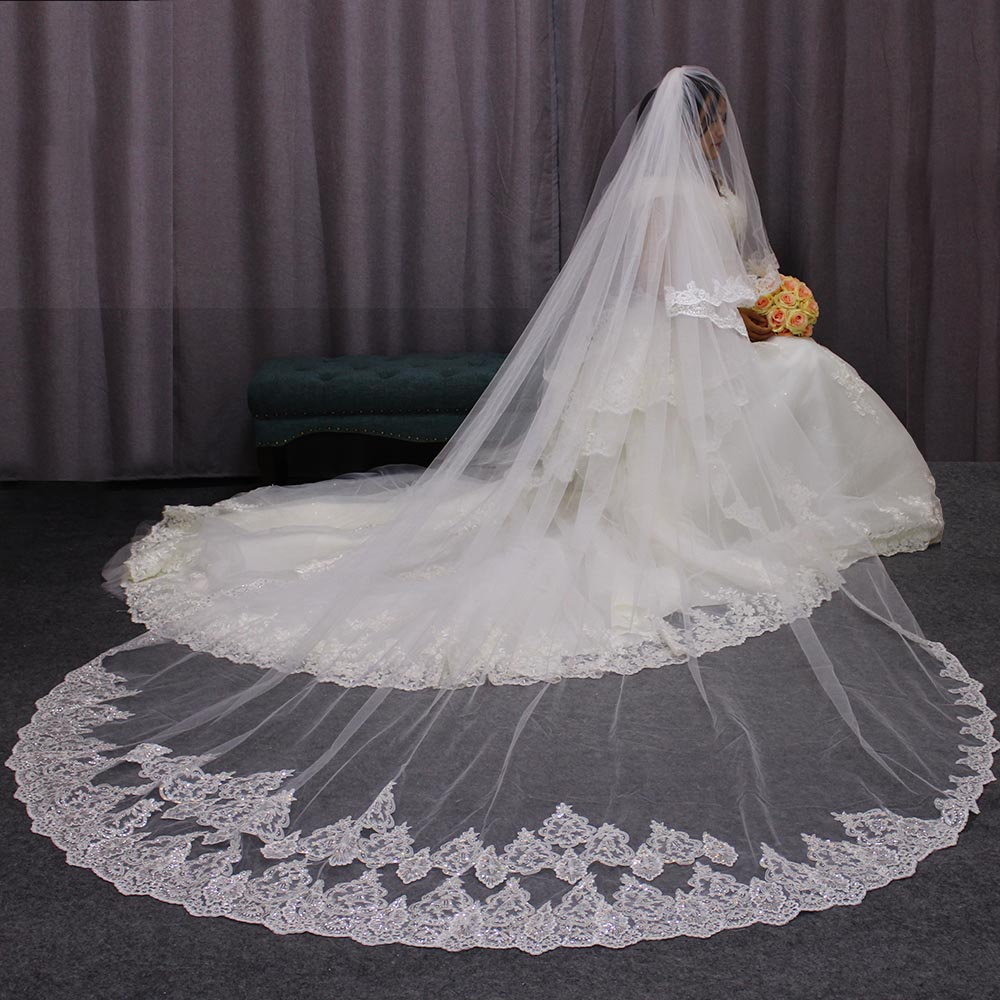 High Quality 3 Meters Long Wedding Veils 2 Layers Bling Sequins Lace Edge Cathedral Bridal Veil