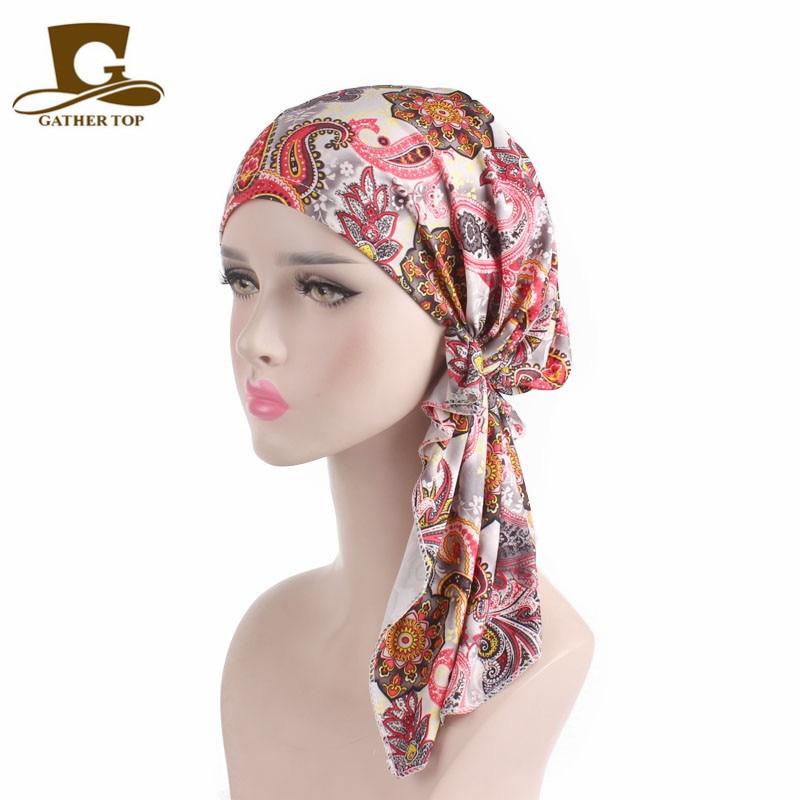 Если женщине приснился сон о том, как она завязывает платок на голове, то наяву она ведет себя слишком резко, провоцирует конфликты.