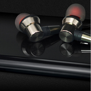 Image 5 - The latest MMCX Replaceable Cable Earphone For Shure SE215 UE900 Headset 3.5mm Cables with mic for Android IOS11.0 the following