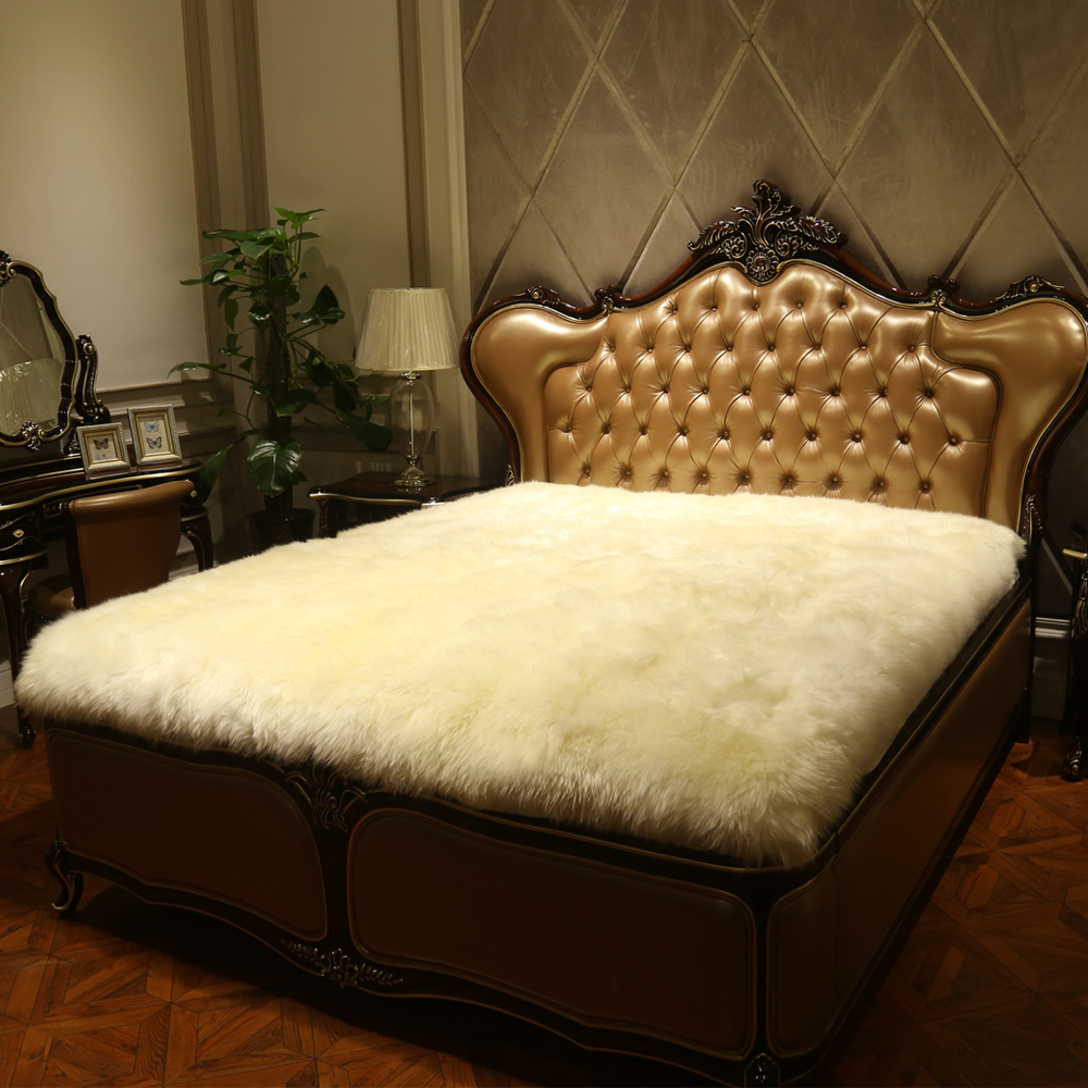 Natural pure wool mattress fur one piece sheepskin bed for How to cover a bed