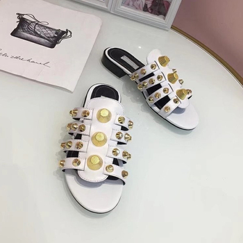 2019 Gold Studded Slippers Women Peep Toe Black Red Real Leather Screw Rivet Flat Shoes Woman Chic Design Gladiator Sandals 5