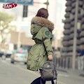 Mulheres Jaqueta de inverno 2016 Da Marca de Moda Grande Gola de Pele De Guaxinim Capô Parka casaco de Inverno Quente Longo Fino Casaco De Pele Real Para As Mulheres