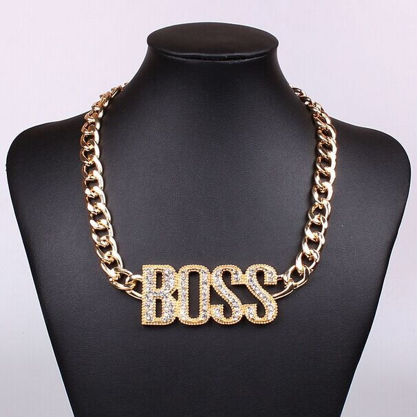 Accessories: Use Necklaces with style