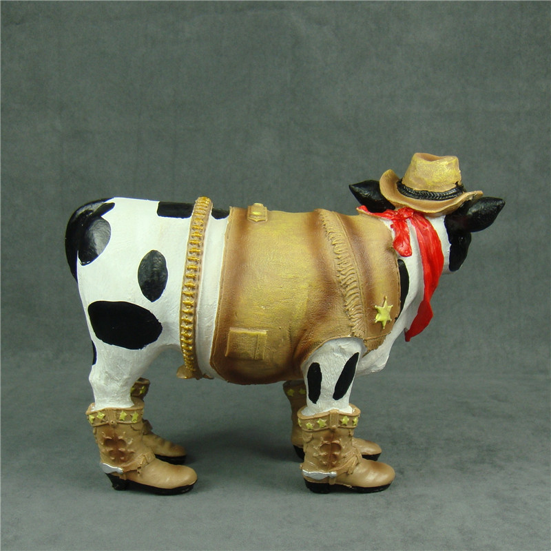 Novelty Comical Cows Family Figurine Ornament
