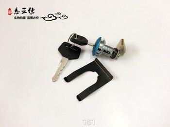 Otobüs bölümü üçgen kilit/arka kapı kilidi/yan kapı kilidi/anahtar silindir 161 yutong/zhongtong /kinglong/higer otobüs