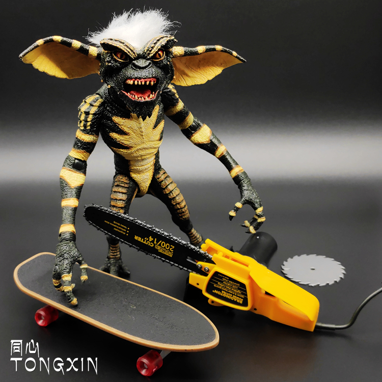 NECA Elf Gremlins Elf Little Monster Ultimate Deluxe Edition Joint Movable Action Figure TNECA Elf Gremlins Elf Little Monster Ultimate Deluxe Edition Joint Movable Action Figure T
