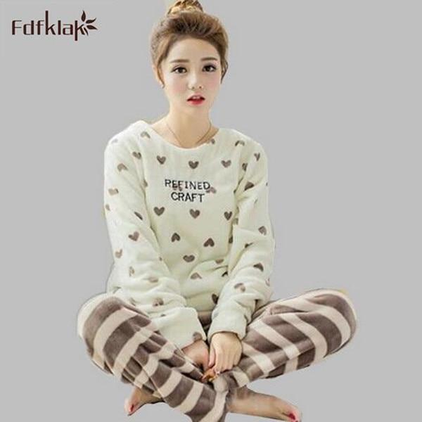 Bonito dos desenhos animados pijamas mulheres sleepwear feminina inverno roupa em casa 2017 nova pijama de flanela grossa pijamas mujer femme plus size 2XL